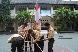 pembuatan tiang bendera
